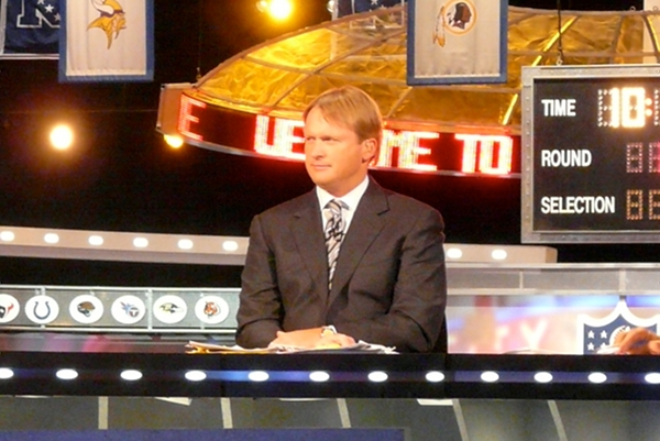 Gruden considering Tennessee offer